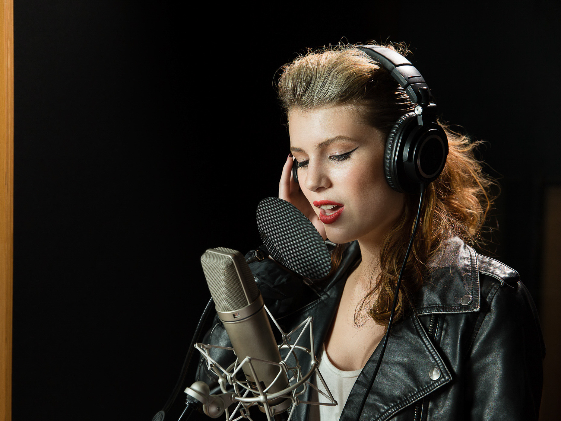 RecordingStudio_Vocalist_9014-2